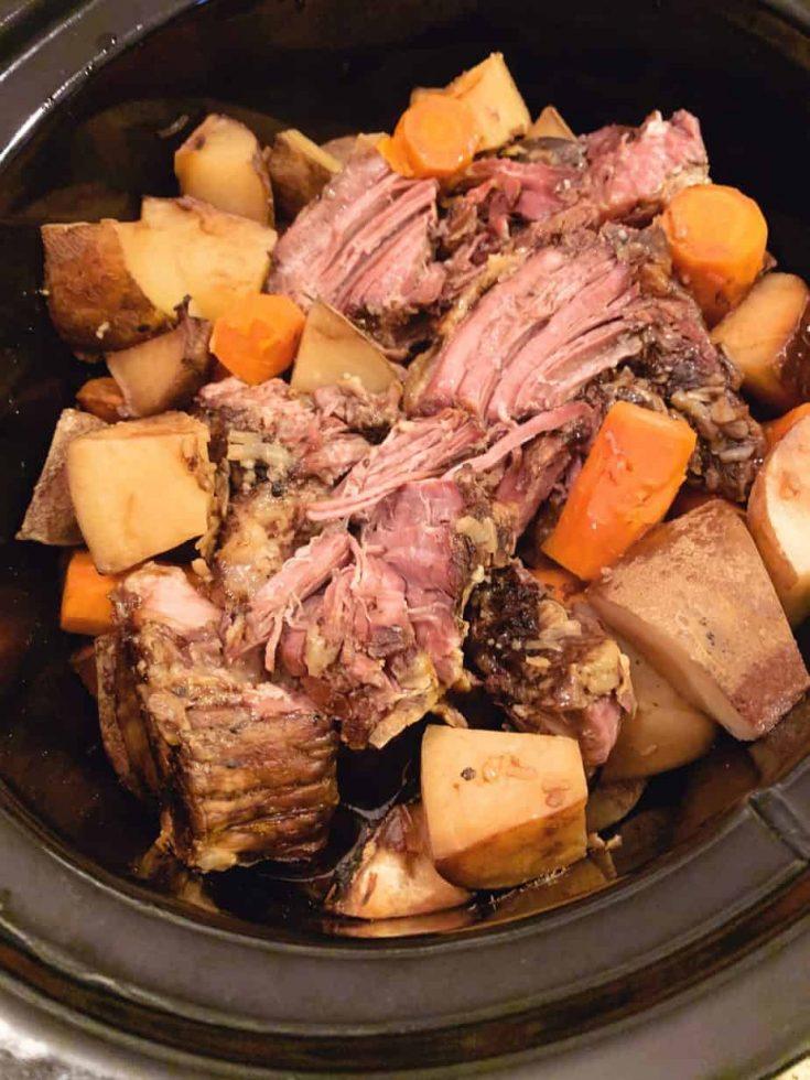 Crock Pot Chuck Roast with Potatoes
