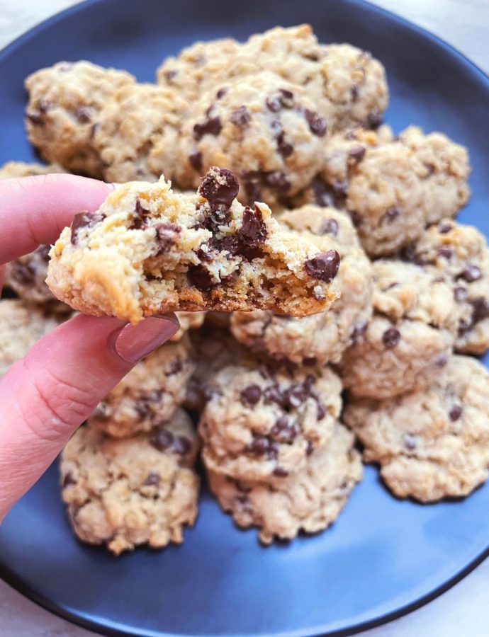 Gluten-Free Oatmeal Chocolate Chip Cookies {dairy-free option}